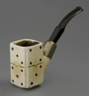 Ivora pipe with dominoes